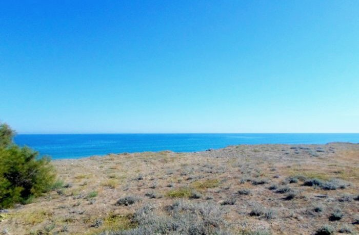 seafront-plot-for-sale-in-paphos_EIC151L