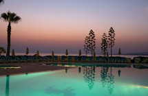 3 STAR BEACH FRONT HOTEL FOR SALE ~ 230 ROOMS_Papaphos_cyprus